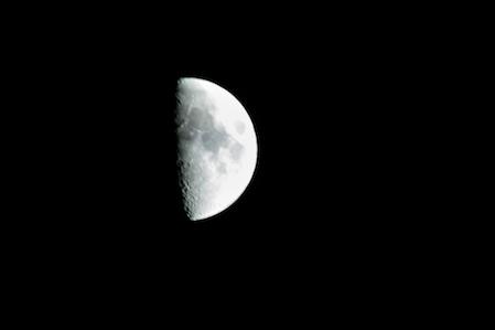 090502half_moon001_03.jpg