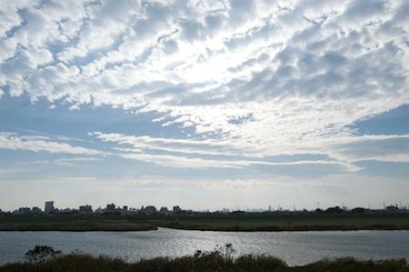 091101river_sky.jpg